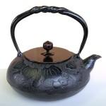 南部鉄瓶 瓢(黒) 1.2L 銅蓋 IH対応