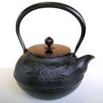 南部鉄瓶 鳳凰(黒) 1.2L 銅蓋