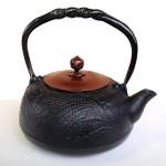 南部鉄瓶 とんぼ(黒) 1.2L 銅蓋