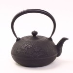 南部鉄瓶 姥口松(黒) 1.2L